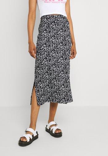 Falda larga - black/white