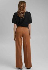 Esprit Collection - SOFT PUNTO - Trousers - caramel - 2