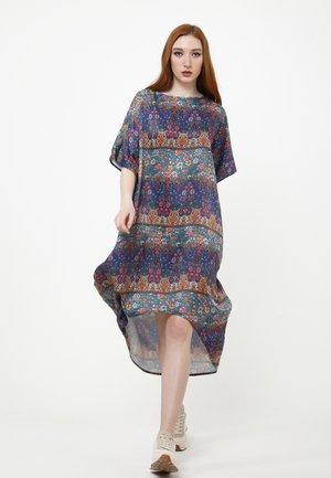 Day dress - blau rot