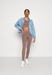 Weekday - CILLI SEAMLESS  - Débardeur - brown plum - 1