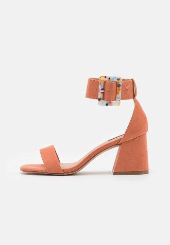 ONLHULA LIFE BUCKLE HEELED  - Sandals - pink