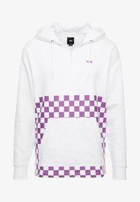 Vans - VERSA HOODIE - Bluza z kapturem - white/dewberry - 3