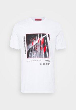 DWEET - T-shirt z nadrukiem - white
