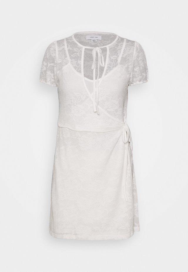 WRAP MINI DRESS - Vapaa-ajan mekko - white