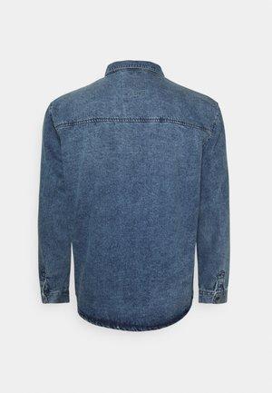 JULIAN PLUS - Skjorta - light blue