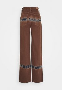 BDG Urban Outfitters - MODERN BOYFRIEND - Jeans relaxed fit - chocolate - 1