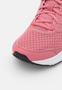 ASICS - JOLT 3 - Neutrální běžecké boty - smokey rose/pearl pink - 5