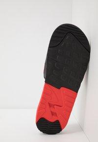 Nike Sportswear - AIR MAX 90 SLIDE - Mules - black/white/chile red - 4