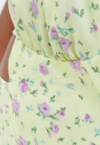 Bershka - MIT BLUMEN - Day dress - light yellow - 4