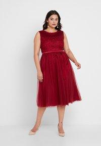Swing Curve - DRESS - Koktejlové šaty/ šaty na párty - rot - 0