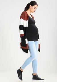 Zalando Essentials Maternity - 2 PACK  - Topper langermet - black - 1