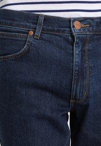 Wrangler - GREENSBORO - Jeans straight leg - darkstone - 3