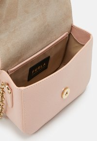 Furla - MINI BODY  - Skulderveske - candy rose - 4