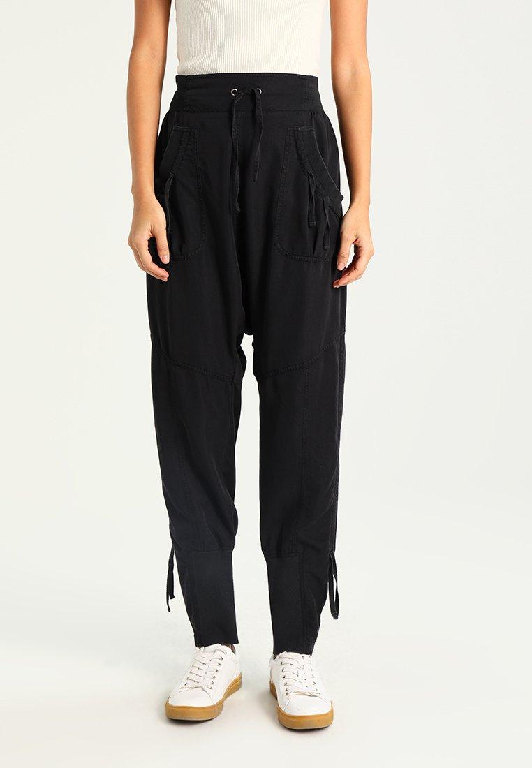 Cream - NANNA PANTS - Pantalon classique - solid black