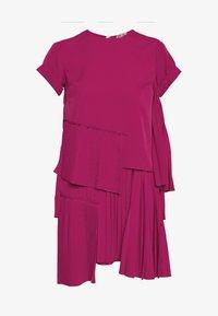 N°21 - Korte jurk - pink - 5