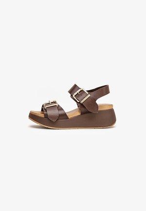 Sandaler m/ kilehæl - dark brown dbn