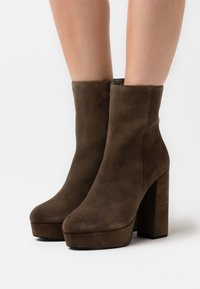 Even&Odd - LEATHER - High heeled ankle boots - khaki - 0