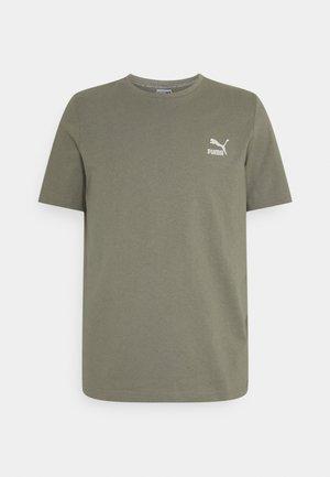 CLASSICS EMBRO TEE - Print T-shirt - vetiver