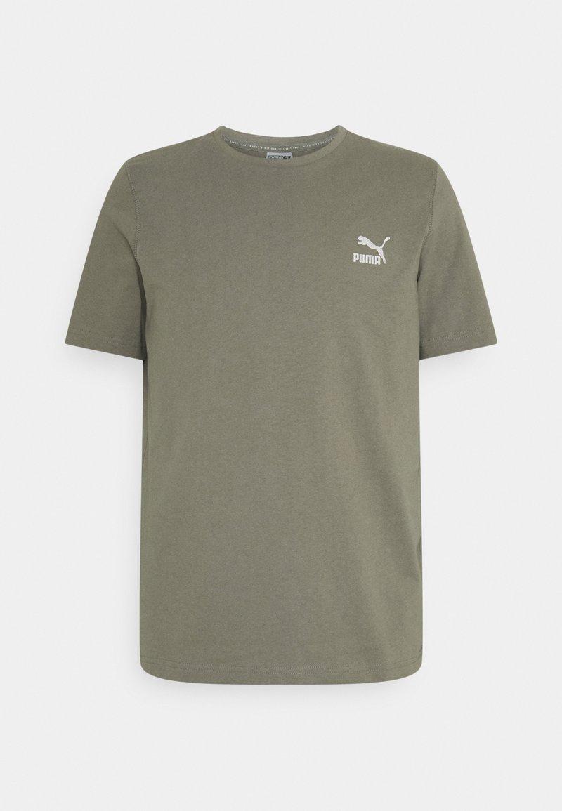 Puma - CLASSICS EMBRO TEE - Print T-shirt - vetiver