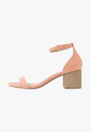 MAKENZIE - Bridal shoes - light pink