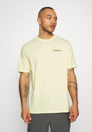 SUMMIT ROAD ORGANIC - Print T-shirt - resin yellow