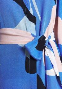 Nümph - NUCORA DRESS - Skjortekjole - ultramarine - 5