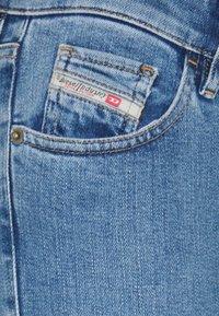 Diesel - SLANDY-LOW-ZIP - Jeans Skinny Fit - light blue - 2