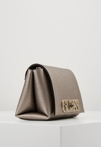 Guess - UPTOWN CHIC MINI XBODY FLAP - Bandolera - pewter - 3