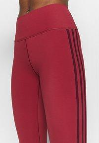 adidas Performance - BELIEVE THIS 3 STRIPES LEGGINGS - 3/4 sportbroek - legend red/maroon - 5