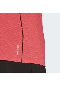 adidas Performance - RUNNER T-SHIRT - Print T-shirt - pink - 5