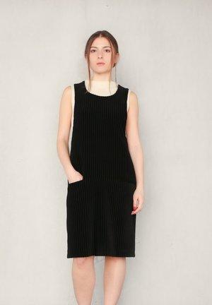 Day dress - black cord