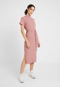 Topshop - CHUCK ON CUT AND SEW - Jumper dress - blush - 0