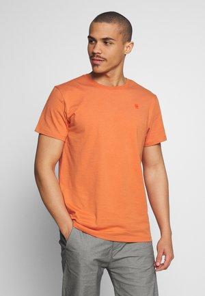 BASE-S R T S\S - Basic T-shirt - langoustino pink