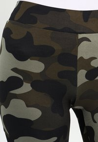 Urban Classics - LADIES CAMO TECH - Leggings - wood/black - 4