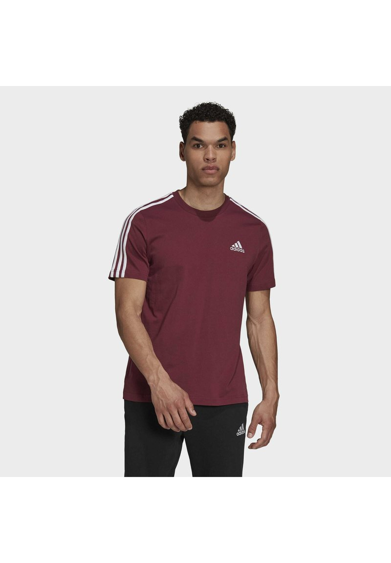 adidas Performance - 3-STRIPES SPORTS ESSENTIALS T-SHIRT - T-shirt z nadrukiem - victory crimson/white