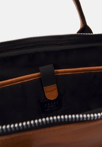 Still Nordic - LUKE CLEAN BRIEF - Borsa porta PC - light cognac - 2