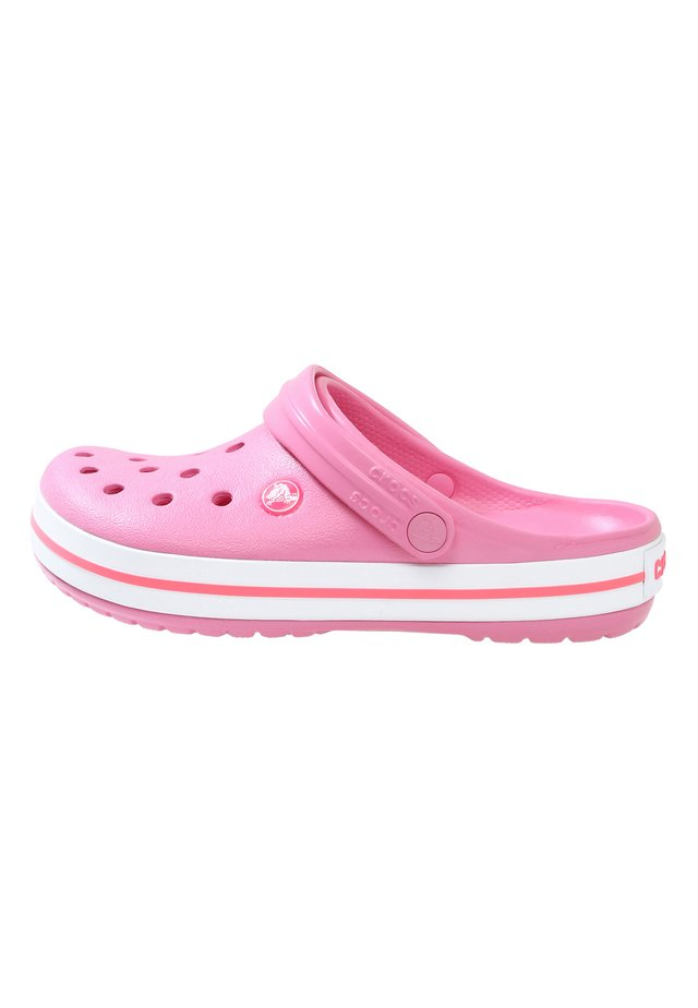 CROCBAND RELAXED FIT - Sandalias planas - pink lemonade / white
