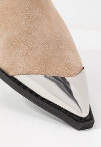 Calvin Klein Jeans - ARTHENA - Kotníková obuv - travertine - 2