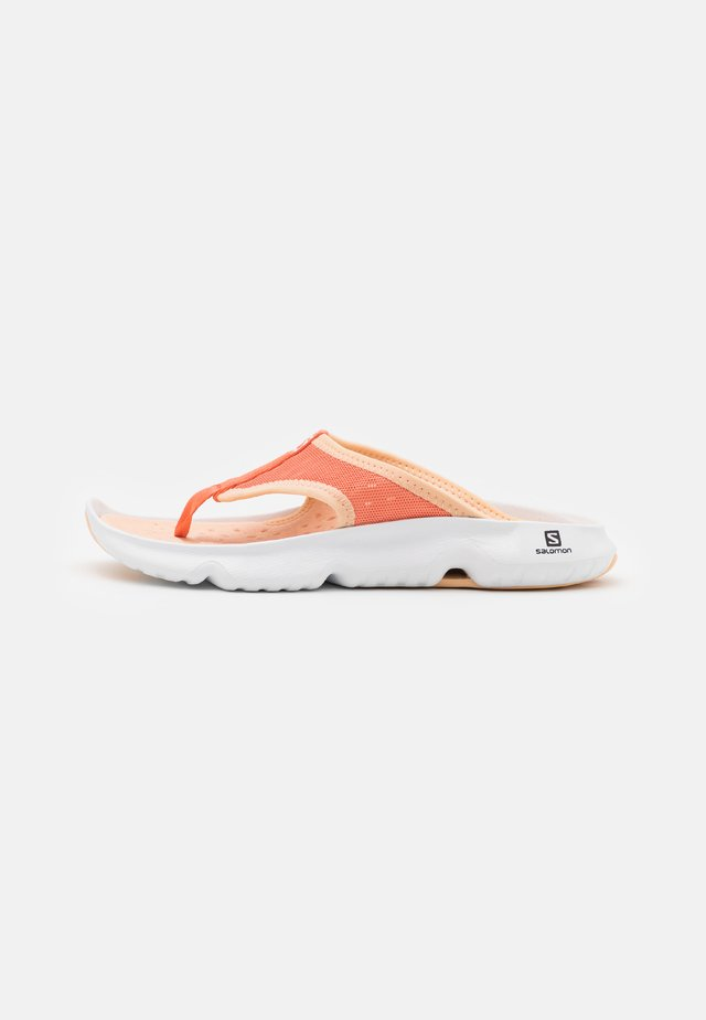 REELAX BREAK 5.0  - Walking sandals - persimon/white/almond cream