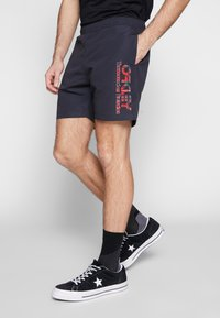 Oakley - TARTAN LOGO - Shorts - blackout - 3