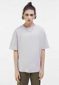 Bershka - OVERSIZED - T-shirt med print - light grey - 0