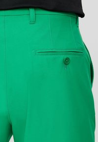 J.LINDEBERG - ELOY - Outdoor shorts - stan green - 6