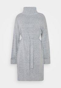 Vila - VIROLFIE TIE BELT DRESS - Pletené šaty - light grey melange - 0