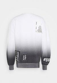 F_WD - Sweatshirt - white/black - 1
