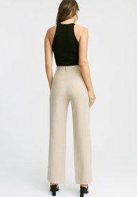 Kookai - MONTMARTRE - Trousers - ab-beige - 1