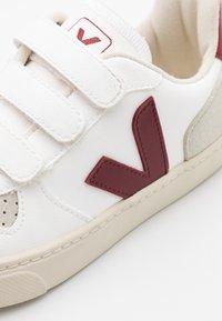 Veja - SMALL V 10 UNISEX - Sneakers laag - white marsala - 5