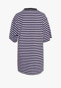 Monki - TORI TEE - Print T-shirt - purple/black - 1