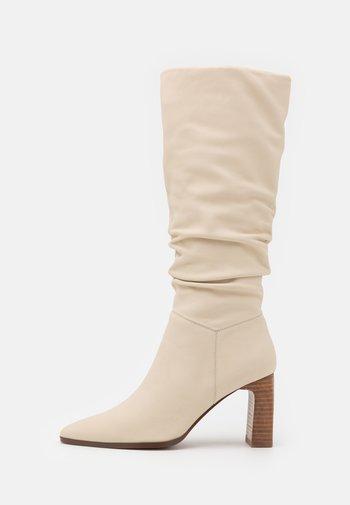 Laarzen - white