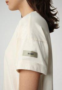 Napapijri - T-shirt imprimé - new milk - 3