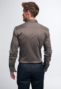Eterna - SLIM FIT - Formal shirt - taupe - 1